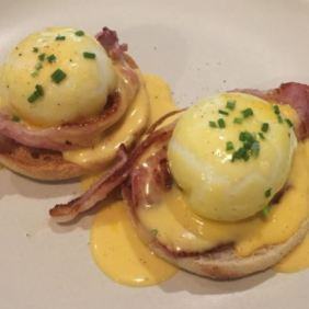 benedict with bacon