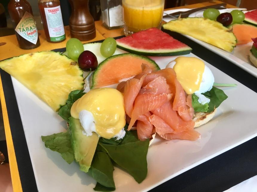 benedict eggs with salmon & fruit